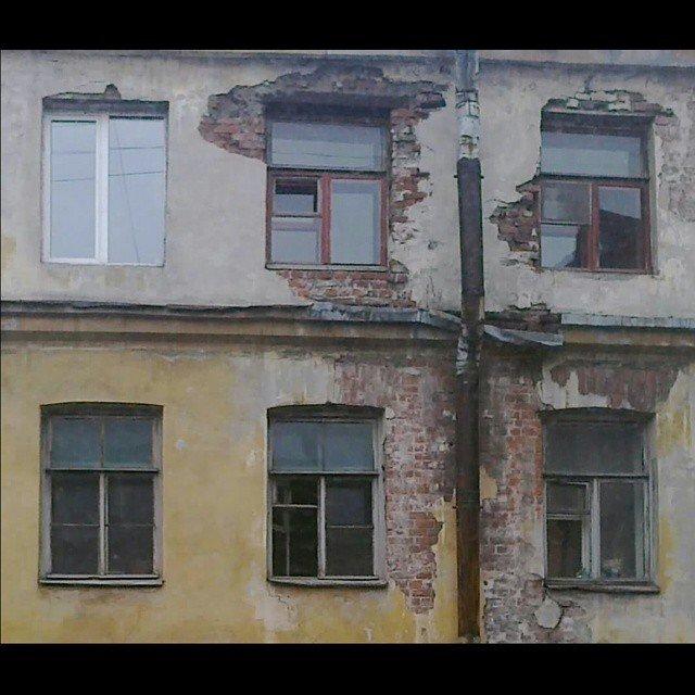 Нет такого количества полуразрушенных старых зданий, как в Северной столице Города России, всё тлен, города, депрессняк, жильё, развалины, трущобы
