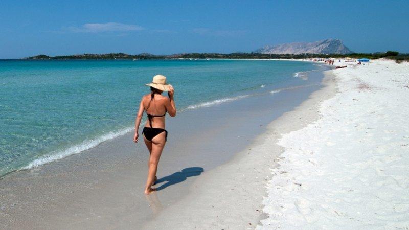 3. Туристам на заметку: в этом году в Италии вступили в силу правила, запрещающие вывозить песок с пляжей ynews, наказания, новости, русские туристы, туристы, фото, штрафы