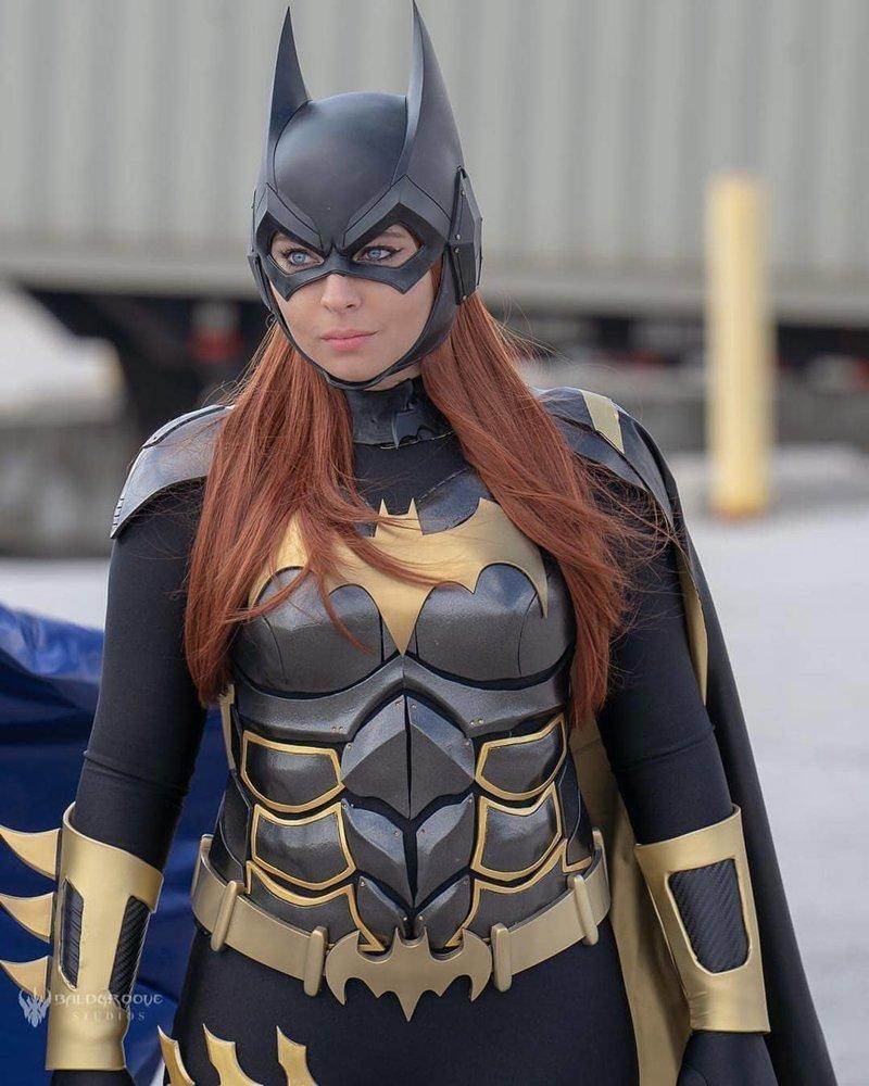 Бэтмен девушки, кино, комиксы, косплей