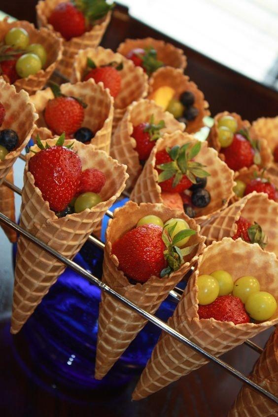 Вафельные трубочки с фруктами еда, красота, летнее настроение, простые рецепты, фрукты