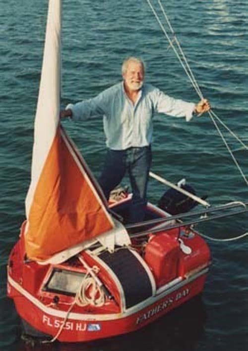 10. Это лодочка под названием «Father's Day» и его владелец Хьюго Вихлен. На этой крохе он переплыл Атлантический океан, поставив совершенно немыслимый рекорд в мире, познавательно, удивительно, фото, фотомир