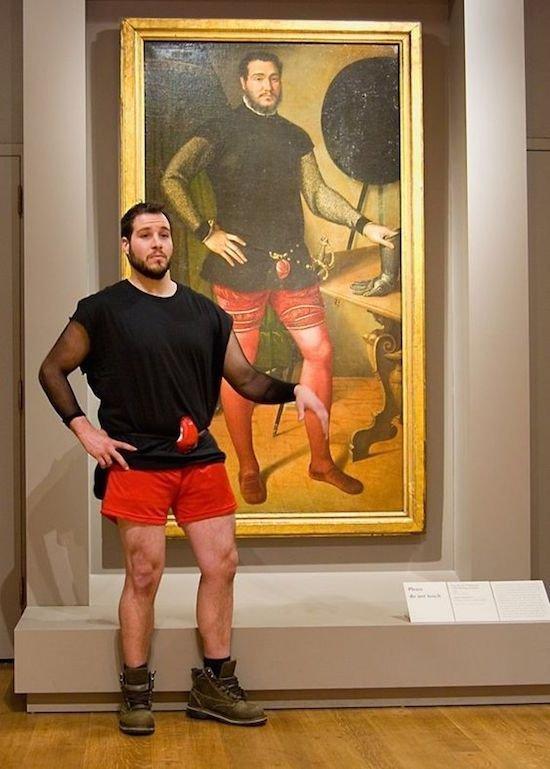 1. Парень даже одет практически идентично! Фантастика! Веселые, музей, портрет, произведение искусства, реинкарнация, фантазия