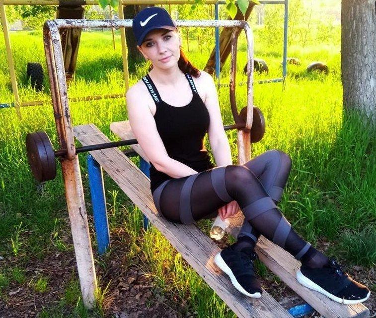 Хрупкая сибирячка расправилась с вооруженными грабителями ynews, гопники, женщина, коня на скаку остановит, сибирячка, фитнес, чудо