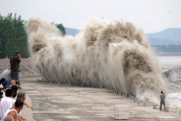 Самая высокая в мире речная приливная волна