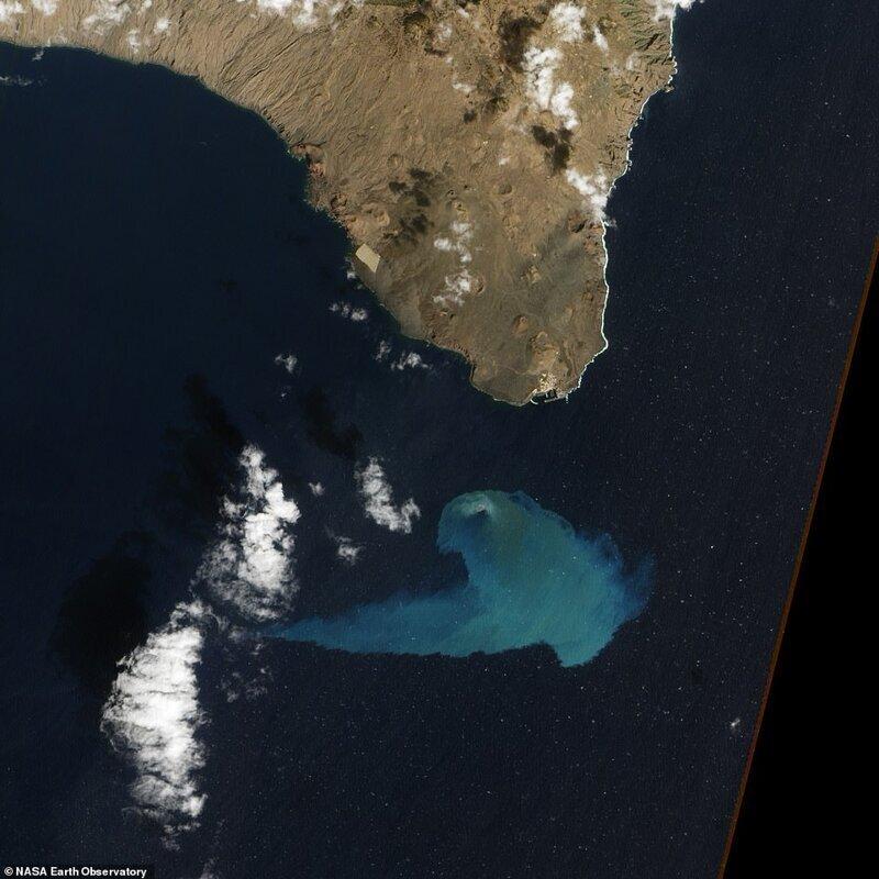 Ла-в жанының жанындағы су асты жанартқышының жанында Ла-Дресс-ауылдың жанында «Канера аралдарында» Сереро аралдары каналында атқылау 2012 жылдың желтоқсан айында жасалды