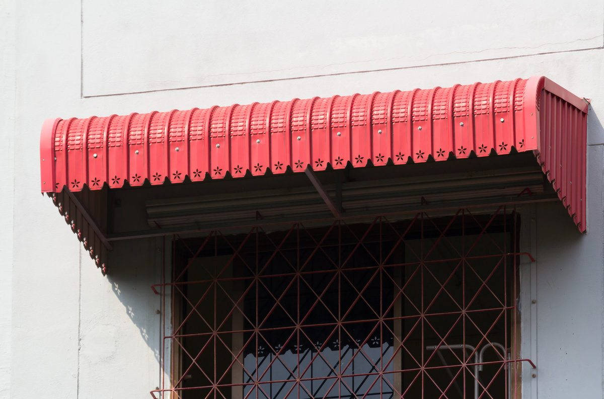 2021 cost to install a metal awning