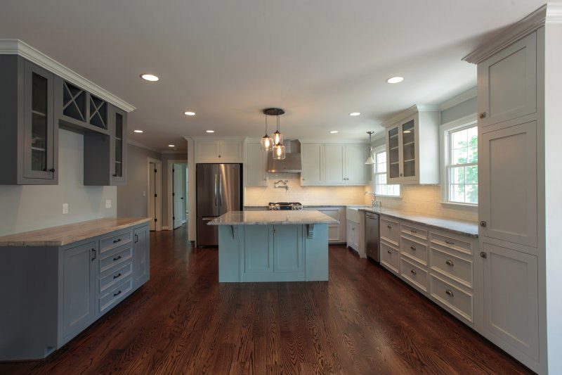 2016 Kitchen Remodel Cost Estimates And Prices At Fixr - Light Colored Kitchen Cabinets