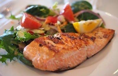 uma dieta rica em nutrientes para prevenir a atrofia muscular após lesão medular