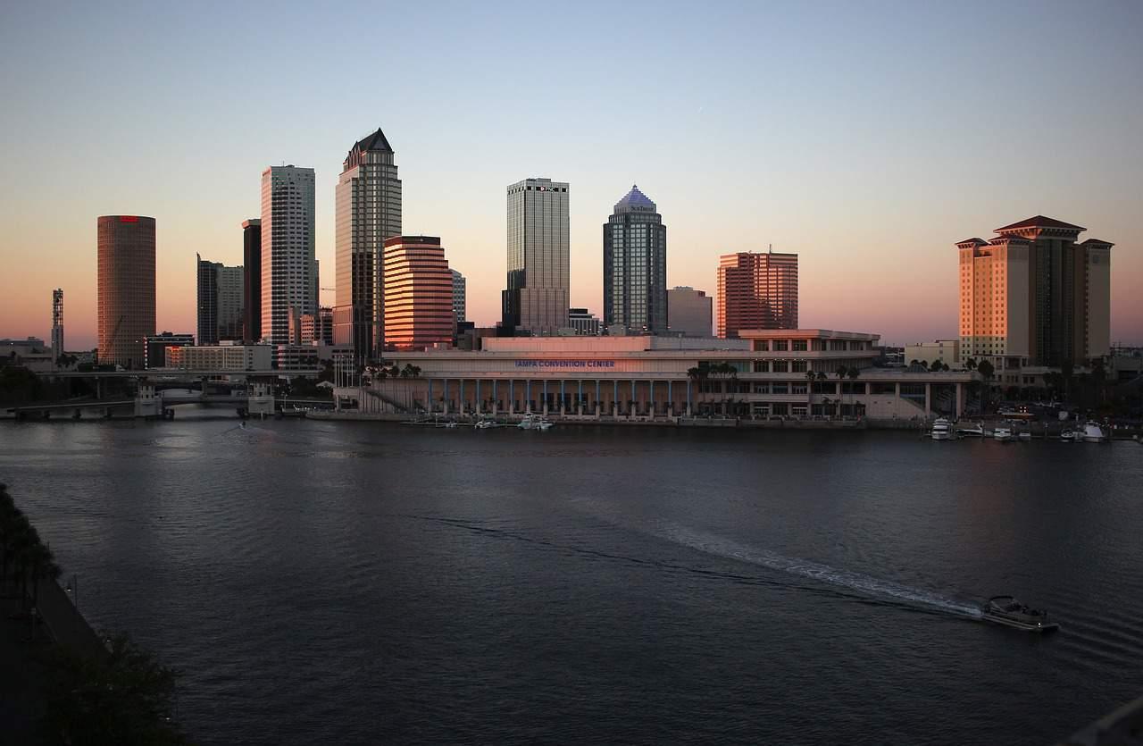 Dating Tampa lijst drie methoden van radiometrische dating