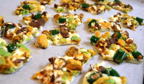 Caramel Apple Oreo Bark