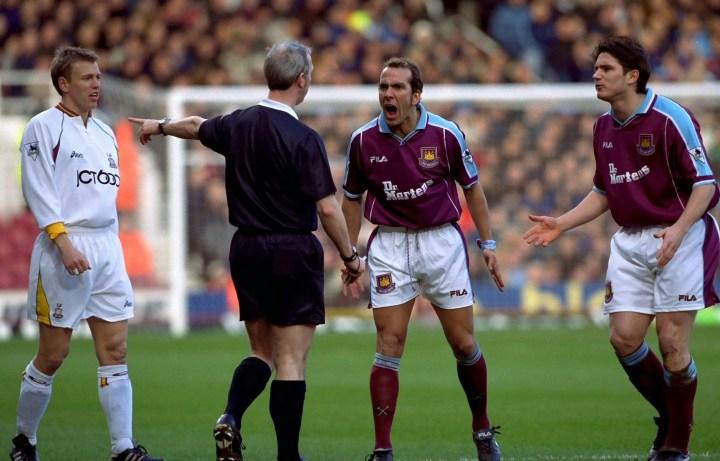 La maglia indie del West Ham 2001 | numerosette.eu