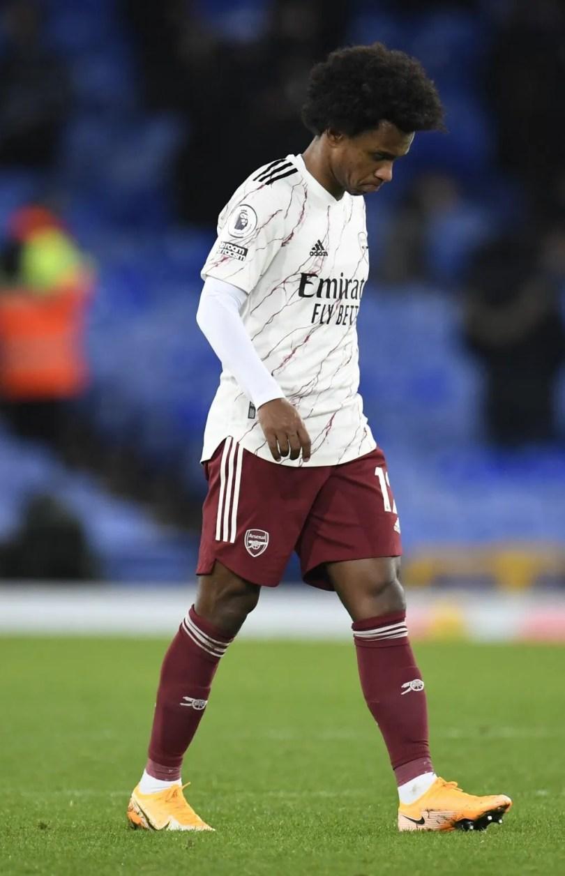 willian-dejected-arsenal-loss-everton-premier-league