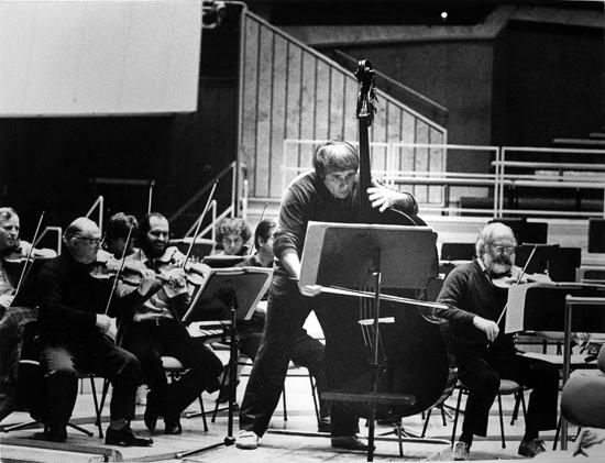Friedrich Witt beim Kontrabasskonzert