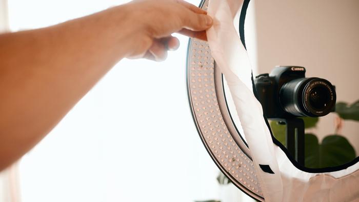 Fstoppers Reviews the Angler Circo LED Ring Light