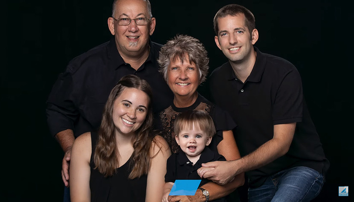 A Helpful Guide to Lighting and Posing Family Portraits