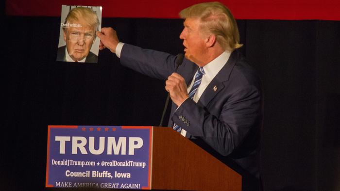 Washington Post Photographer Captures Donald Trump Crossing Out 'Corona' to Write 'Chinese' Virus on Speech