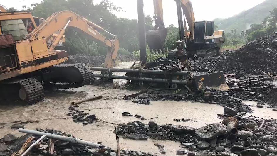高雄山區豪大雨 六龜土石泥流道路中斷-民視新聞網