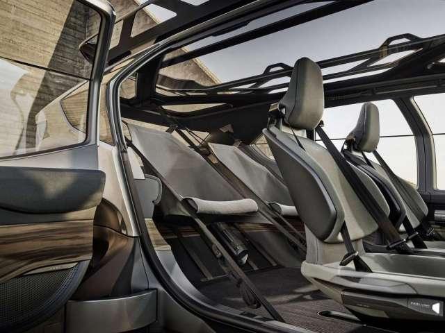 Les sièges arrière de l'Audi AI:Trail sont des hamacs détachables. © Audi
