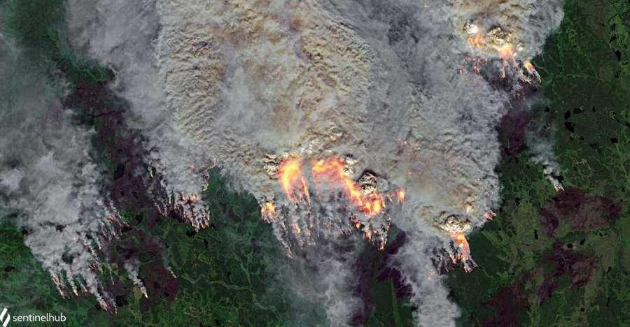 Les incendies au cœur du cercle polaire, le 20 juillet 2020, vus par les satellites Copernicus Sentinel. © Pierre Markuse, Flickr, CC by-2.0