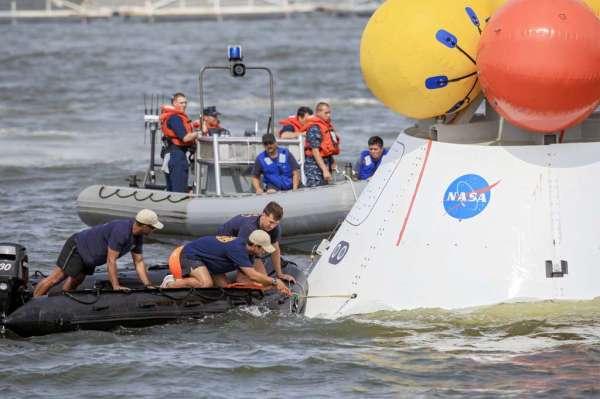 En image : essai de récupération de la capsule Orion