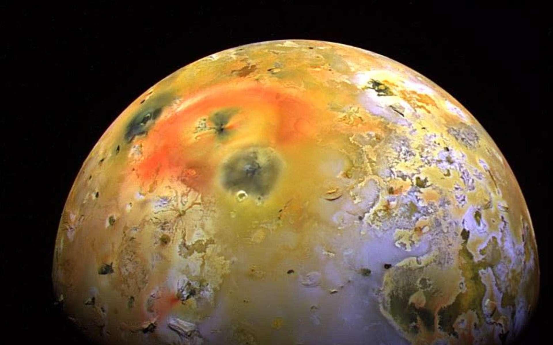 Loki, le plus puissant volcan de la lune Io, est bien entré en éruption… mais pas comme prévu !