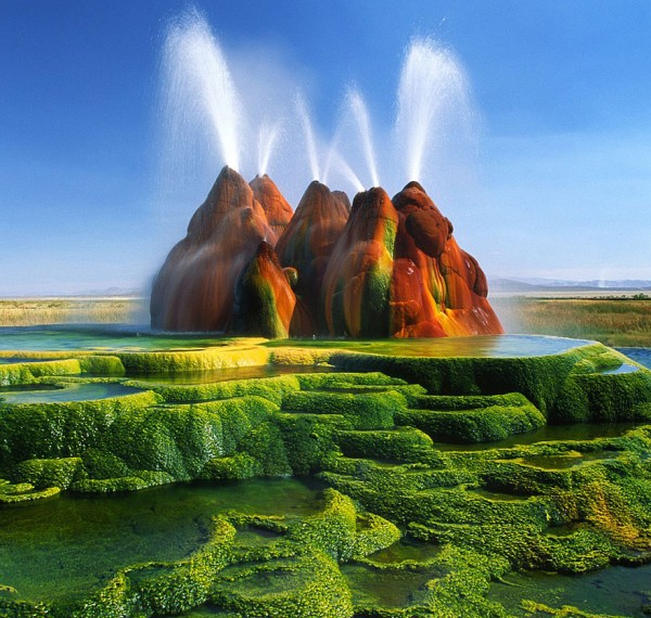 #1 Fly Geyser, Nevada, Usa
