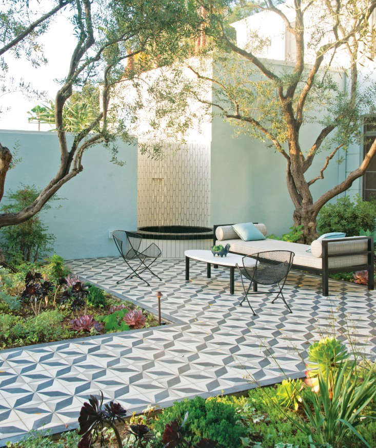 10 Garden Ideas to Steal from California - Gardenista on Garden And Outdoor Living id=80047