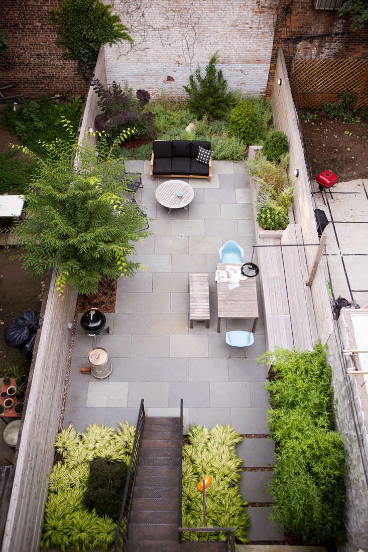 Landscaping: 10 Classic Layouts for Townhouse Gardens ... on Townhouse Patio Ideas  id=99984