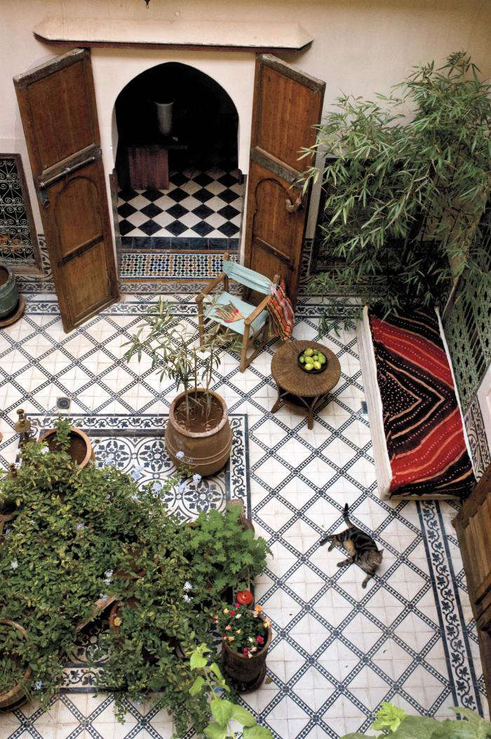 10 Garden Ideas to Steal From Morocco - Gardenista on Moroccan Backyard Design  id=74615