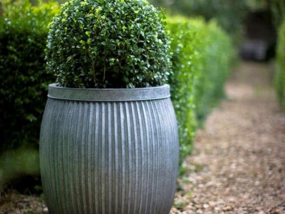 10 Easy Pieces: Zinc Barrel Planters