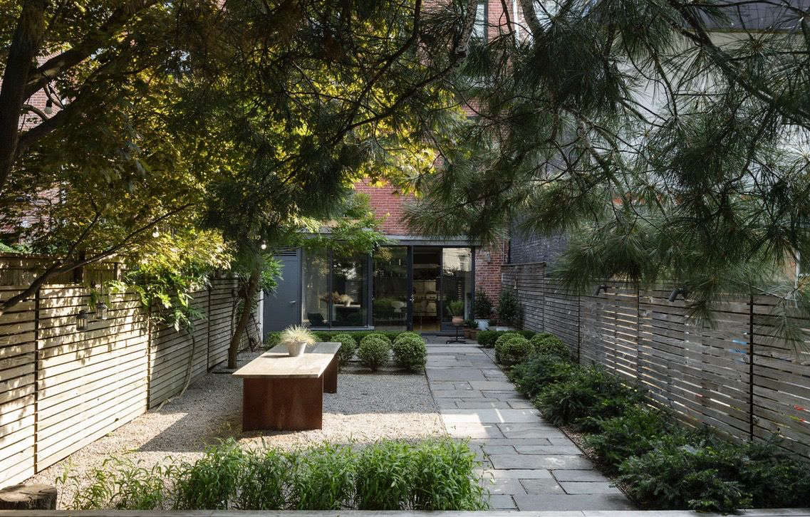 The New Gravel Backyard: 10 Inspiring Landscape Designs ... on Backyard With Gravel Ideas id=15369