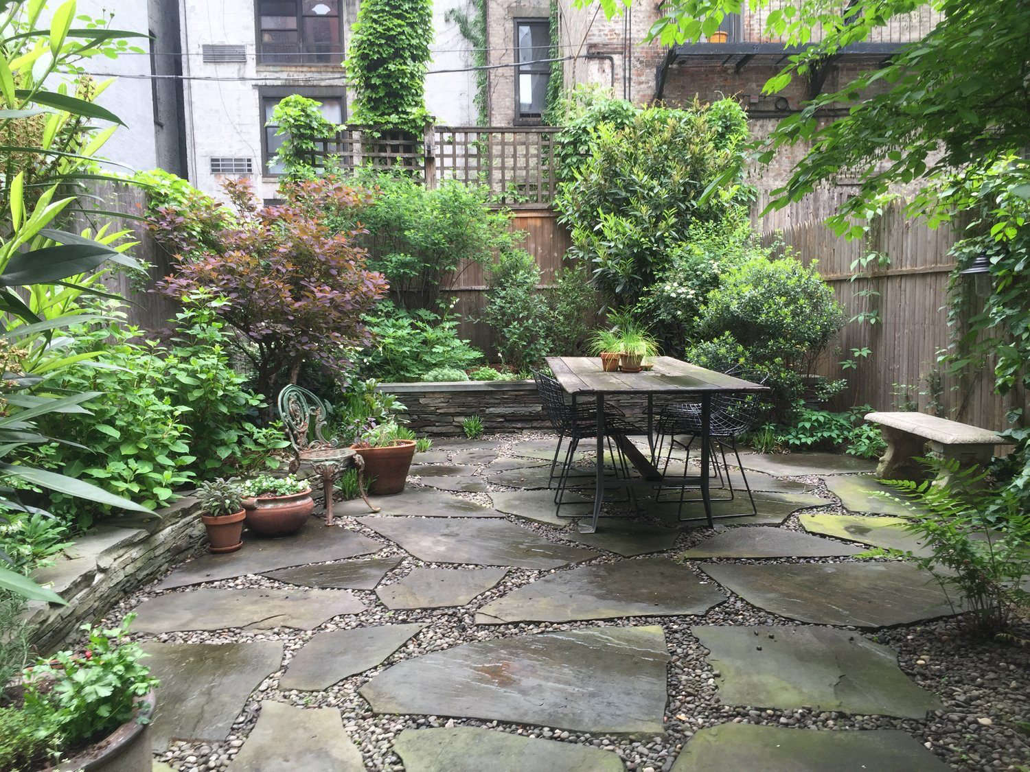 Rental Garden Makeovers: 10 Best Budget Ideas for an ... on Garden Design Ideas On A Budget  id=60444