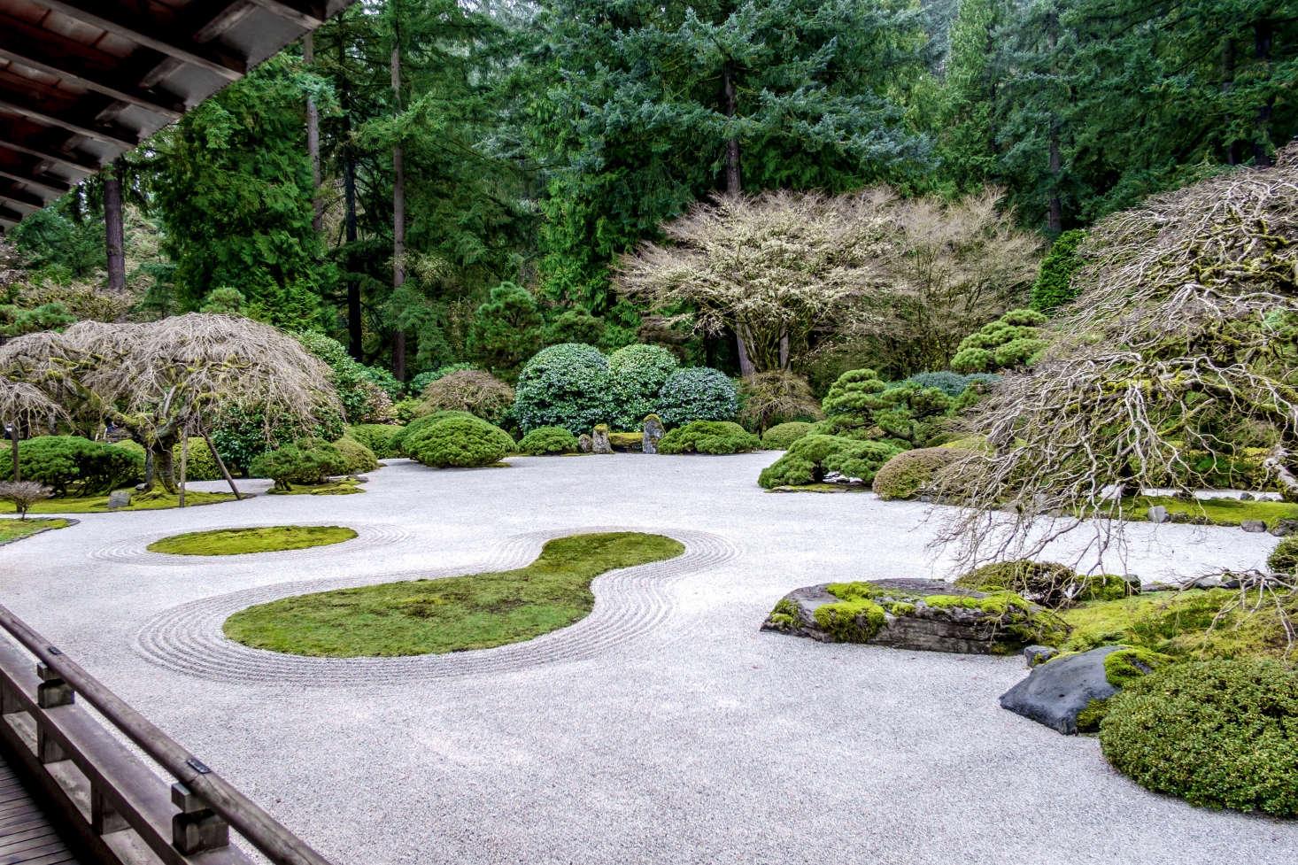 10 Garden Ideas to Steal from Japanese Zen Masters ... on Backyard Japanese Garden Design Ideas id=36899