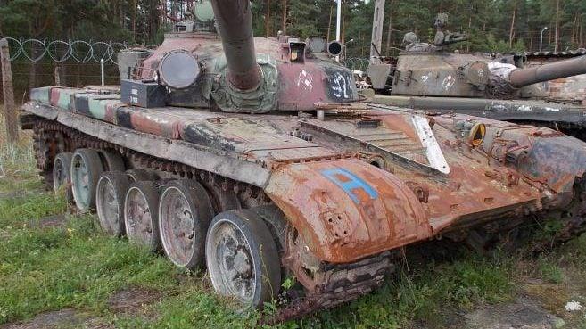 """""""Milowy krok w odbudowie polskiej armii"""" to remont po sowieckich czołgów – Morawiecki"""