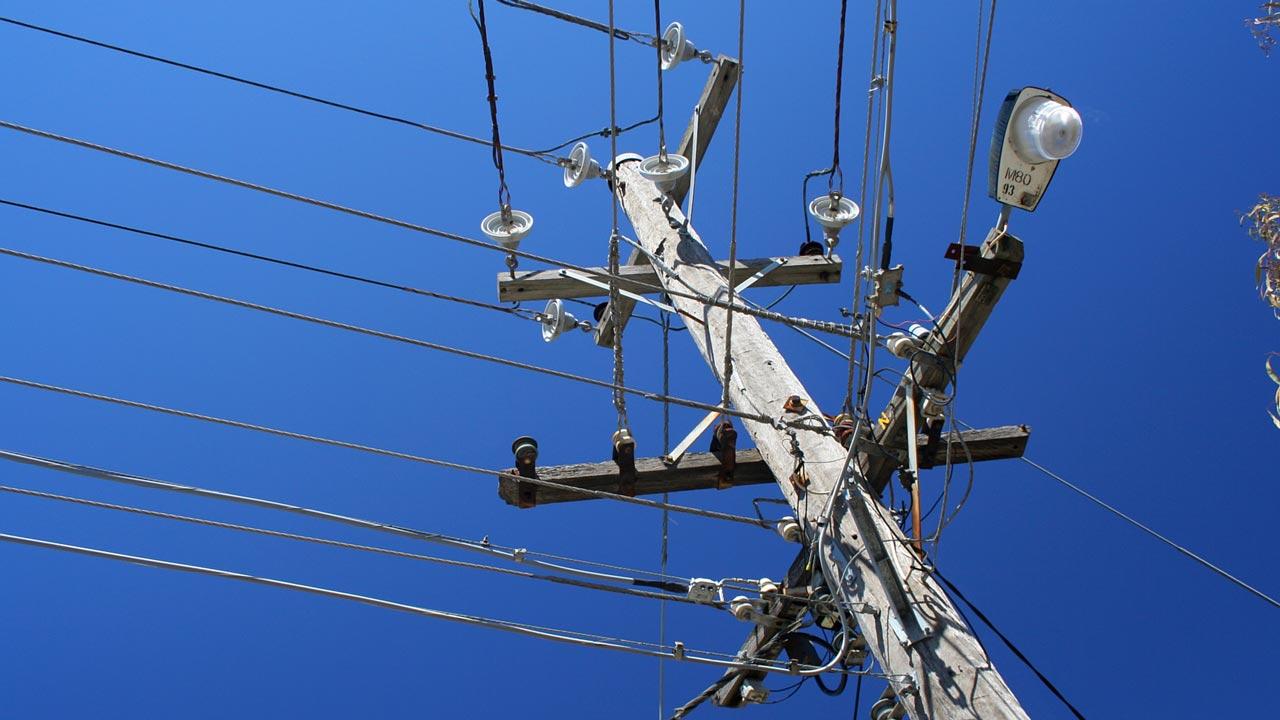 https://i1.wp.com/cdn.gdn.ng/wp-content/uploads/2016/07/Electricity-Pole.jpg