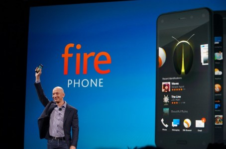 Amazon finally stops selling the Fire Phone, as company adjusts its  hardware strategy - GeekWire