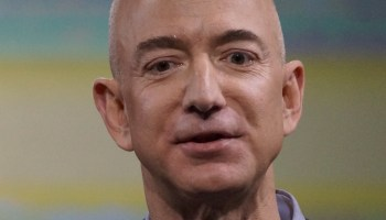 Jeff Bezos on Peter Thiel vs. Gawker: 'Seek revenge and you should dig two graves — one for yourself'