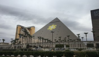 CES 2016: Snapchat places massive logo on iconic Luxor casino in Vegas