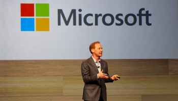 Microsoft vows to cede patent rights to customers for jointly developed technology
