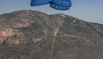 Blue Origin parachutes