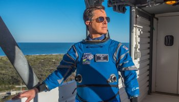 'Late Show' host Stephen Colbert dons Boeing's spacesuit for Starliner stardom
