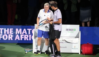 Live blog: Bill Gates and Roger Federer play tennis for charity in Seattle