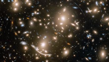 Hubble view of Abell 370 galaxy cluster