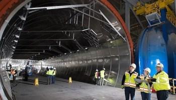 777X composite wing center