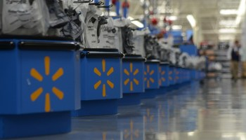 Walmart posts $514B in revenue for the year, plans to double down on grocery pickup and delivery