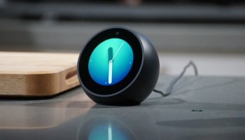 Reviews: Echo Spot is Amazon's cutest device yet, but it has a few issues