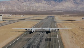 Stratolaunch taxi tests