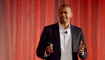 F5 Networks CEO gives riveting talk on cashews, hummingbirds and the value of self-worth
