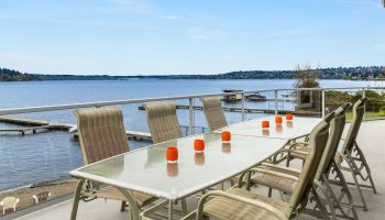Exquisite Living on Lake Washington
