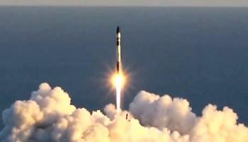 来自新西兰的火箭发射实验七颗小卫星为西雅图的太空飞行